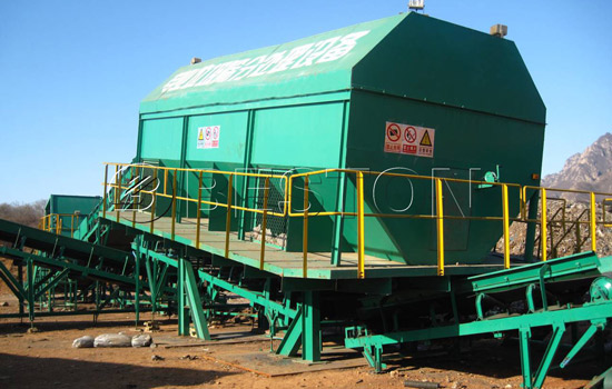 Rotating screening machine in garbage sorting plant