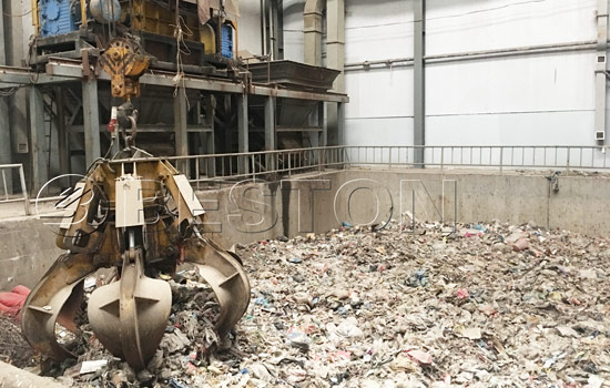 Sorting the waste by using Beston waste separator machine